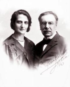 Þuríður Þorbjarnardóttir Grimaldi og Henri de Grimaldi, afabróðir Alberts fursta af Mónakó. Myndin er tekin árið 1925